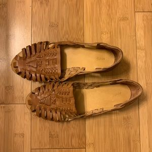 Woven espadrilles style sandals